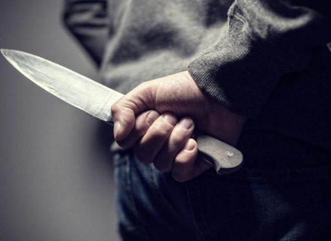 Gəncədə kişi həyat yoldaşını bıçaqladı