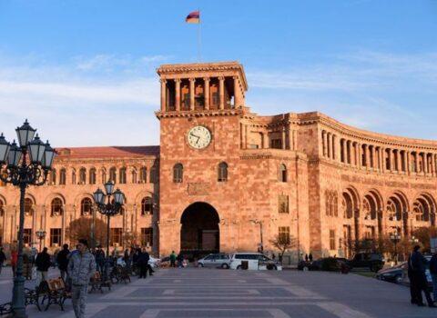 Borc bataqlığında çabalayan Ermənistan – VİDEO