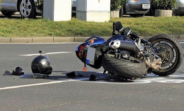 Hacıqabulda motosiklet qəzası: Sürücü ağır yaralanıb