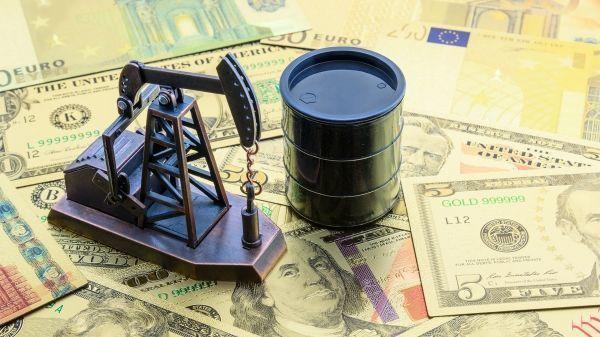 Dünya bazarında neftin qiyməti ucuzlaşır