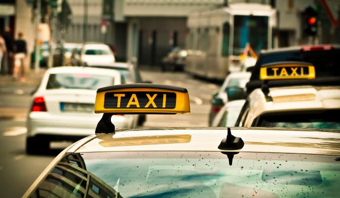 Manatlıq taksilərin aqibəti necə olacaq? – RƏSMİ AÇIQLAMA