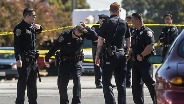 ABŞ-da silahlı atışma: 4-ü polis olmaqla 5 nəfər öldü