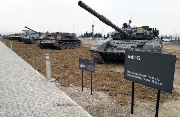 Qənimət götürdükləri texnikaya Bakıda eksponat kimi baxan igidlərimiz – FOTO