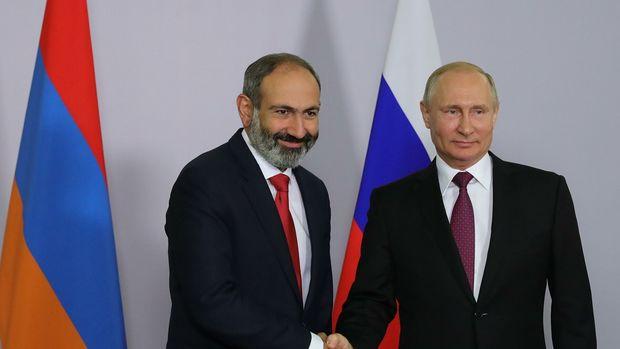 Paşinyan Putinlə görüş barədə YAZDI