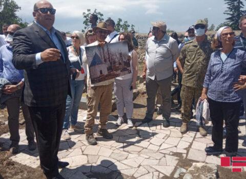 Xarici diplomatlar Ağdamda Cümə məscidini ziyarət ediblər – FOTOLAR