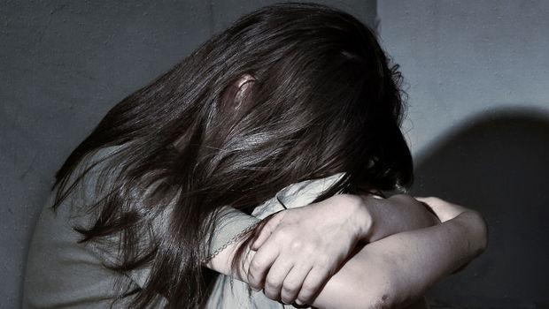 Məktəb direktoru 14 yaşlı qızı otağına çağırıb… – Azərbaycanda İYRƏNC OLAY
