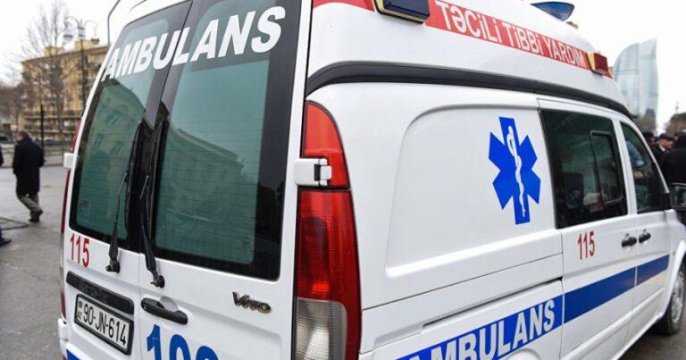 Təcili yardım maşını qəzaya düşdü, tibb bacısı yaralandı